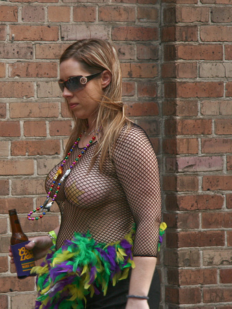 MardiFlashers:adult website, photographs of flashing